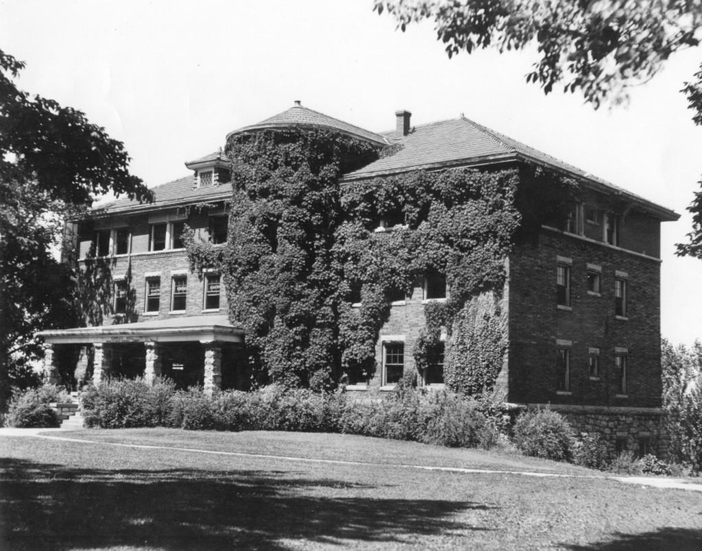 Exterior photo of Cupples Hall, covered in ivy, taken from the southwest. -- courtesy of the CMU JSTOR Open Community Collection