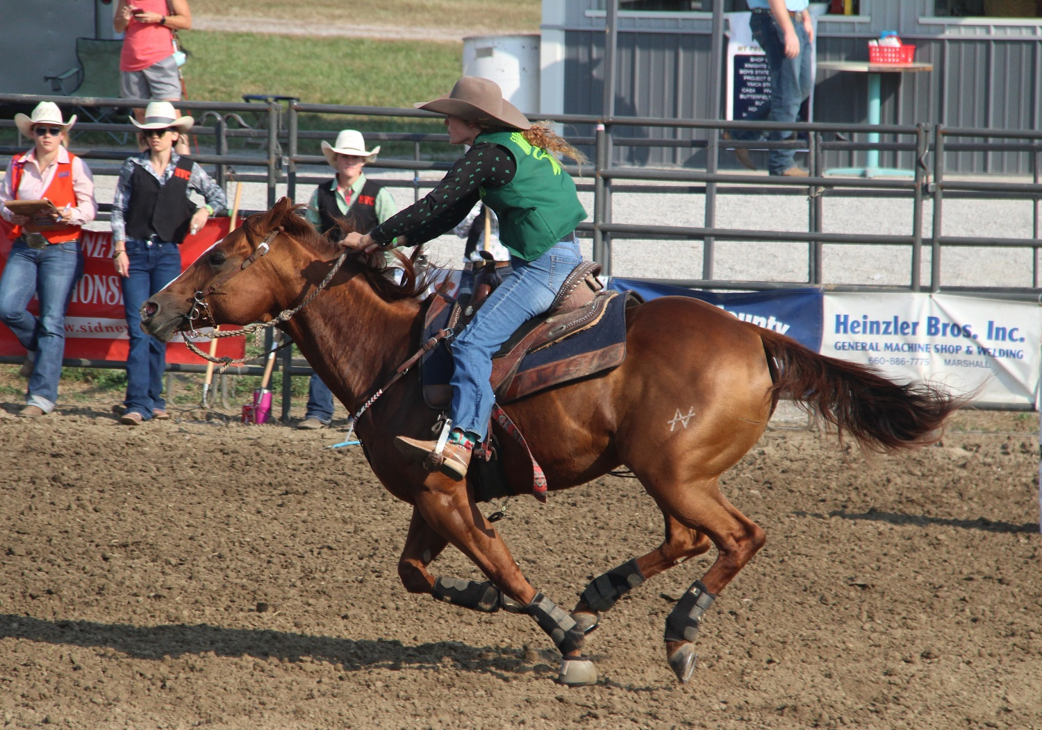 CMU Rodeo athlete competing